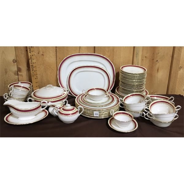 AYNSLEY BONE CHINA SET - 7 DINNER PLATES, 11 LUNCH PLATES,  11 SIDE PLATES, 8 CUPS & SAUCERS, ETC