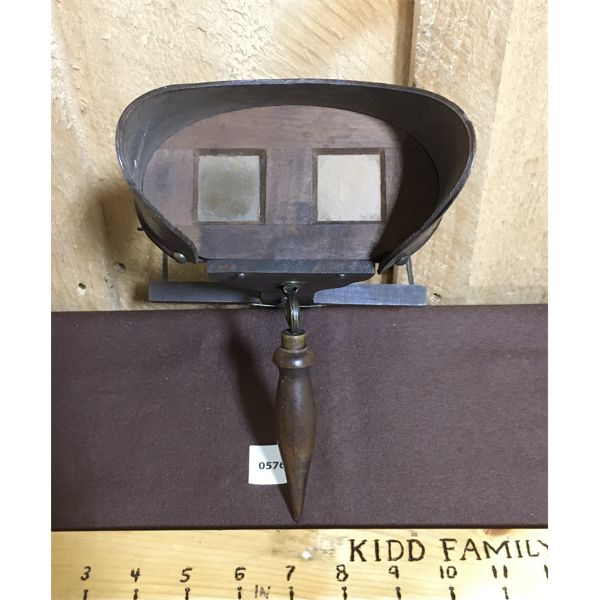 ANTIQUE STEREOGRAPH VIEWER