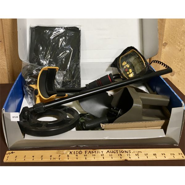 POWERFIST METAL DETECTOR W/ SHOVEL & PROTECTIVE CASE IN ORIG BOX