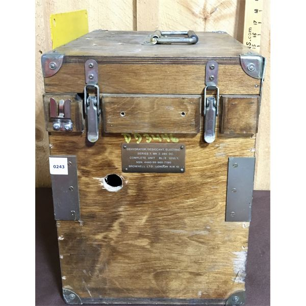 VINTAGE WOODEN DEHYDRATOR BOX - 13 X 11 X 16 INCHES