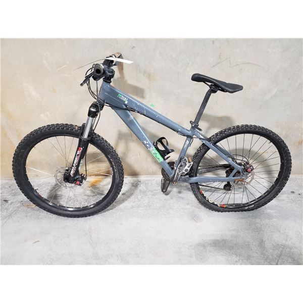 """GREY NORCO RIVAL, 16 SPEED, 15"""" FRAME, FULL DISC BRAKES, FRONT SUSPENSION MOUNTAIN BIKE"""