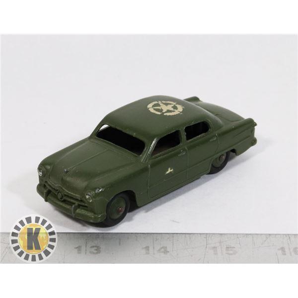 #21 DINKY TOYS  #675 FORD SEDAN US ARMY STAFF CAR