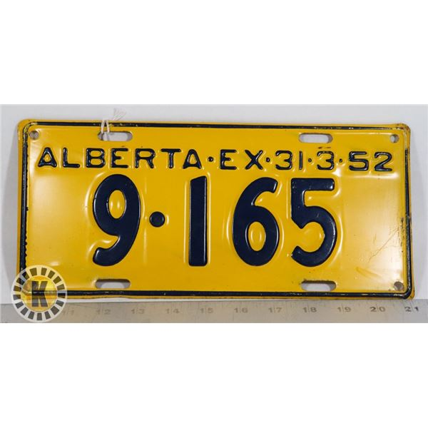 #126  ALBERTA 1952 LICENCE PLATE 9-165 CANADA