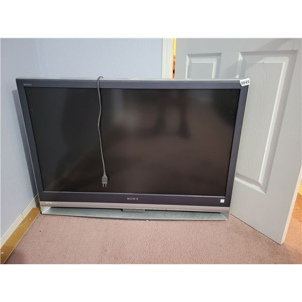 """Sony 42"""" Flatscreen Tube TV"""