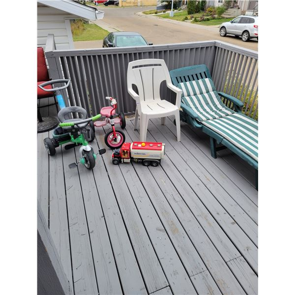 Lawnchairs - Tricycles - Toys