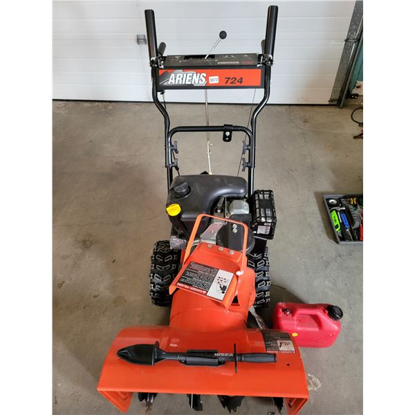 Ariens Snow Blower with Gas Can Model #932046