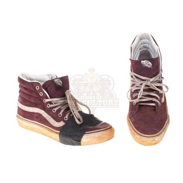 5th Wave, The – Cassie Sullivan's (Chloë Grace Moretz) High-Top Sneakers – A4
