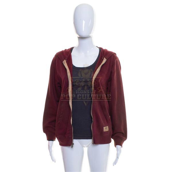 5th Wave, The – Cassie Sullivan's (Chloë Grace Moretz) Hoodie & Shirt – A39