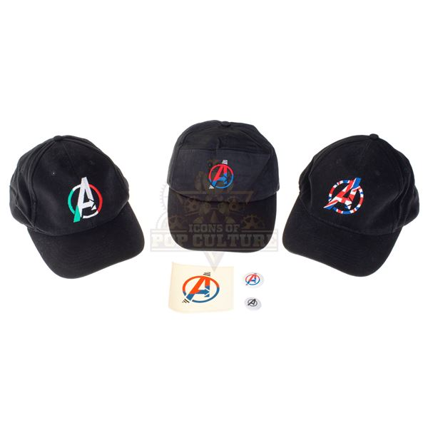 Avengers: Age of Ultron – Special Crew Gift Hats, Pins & Sticker – A2