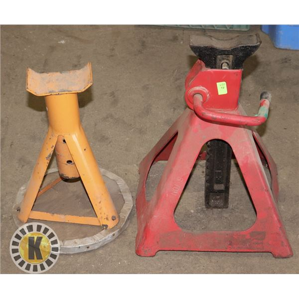 LOT OF 2 ASSORTED JACK STAND, 1 TON & 6 TON