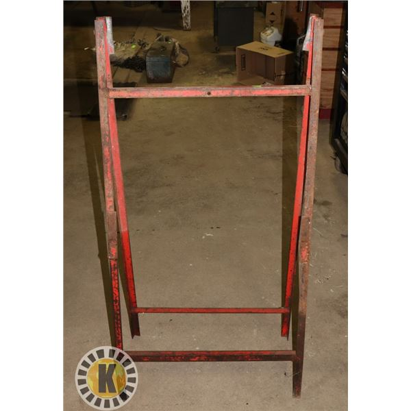COLLAPSIBLE METAL WORK STAND