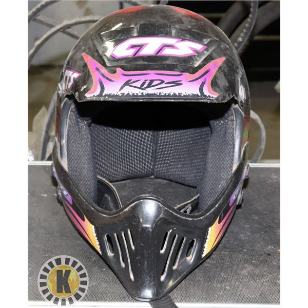 CTS CHILDRENS SIZE LARGE RACING HELMET WITH