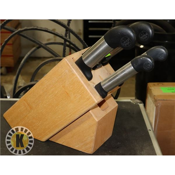 WOOD KNIFE BLOCK WITH KNIVES