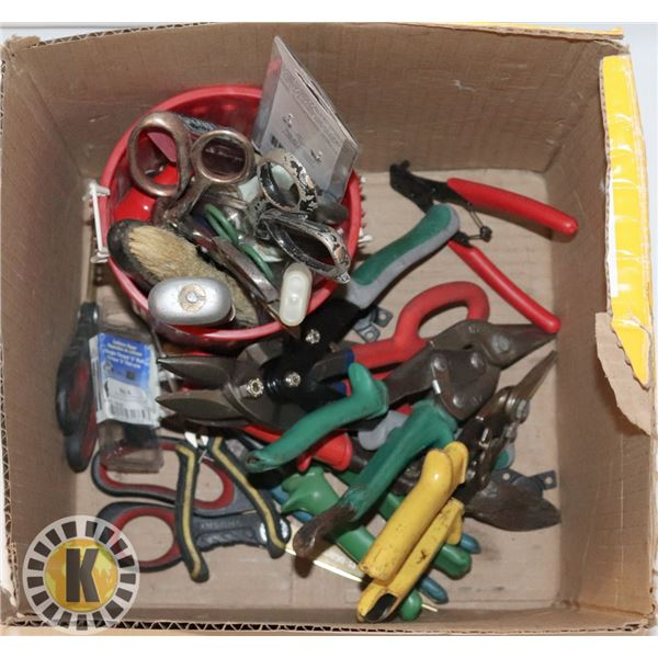 BOX OF CLIPPING AND CUTTING TOOLS