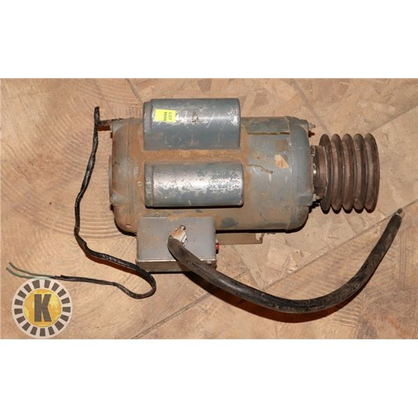 ELECTRIC MOTOR WITH PULLIES ATTACHED