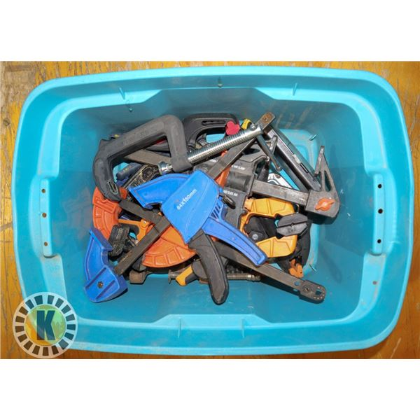 SMALL TOTE WITH LARGE NUMBER OF ASSORTED CLAMPS