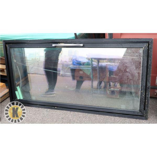 GLASS DOOR REPLACEMENT FOR MERCHANDISER WALK