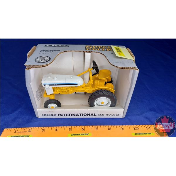 """International Cub Tractor """"Special Edition 1991"""" (Scale: 1/16)"""