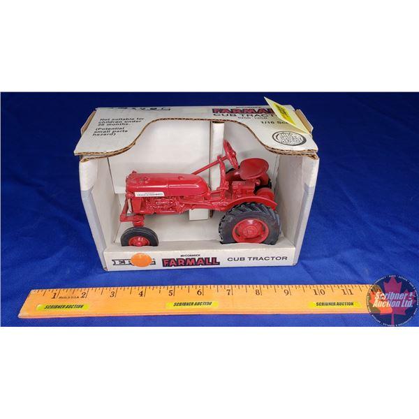 McCormick Farmall Cub Tractor 1956-1958 (Scale: 1/16)