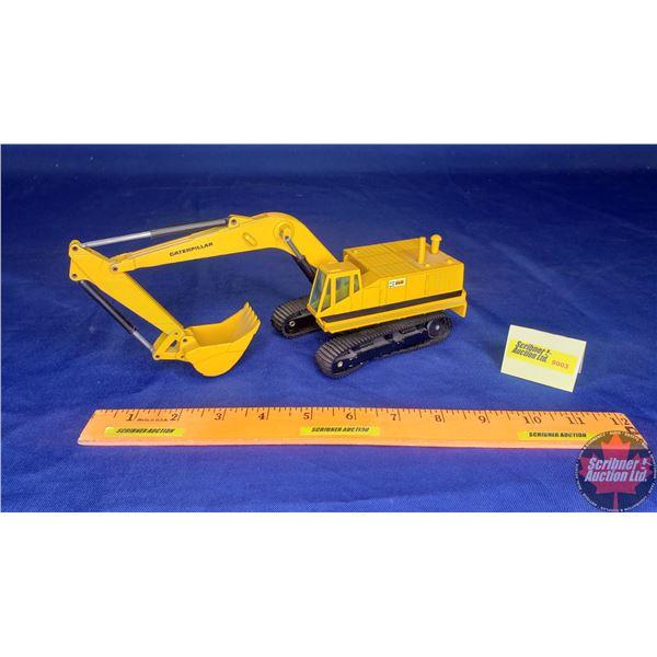 CAT 245 Excavator (Scale: 1/50)