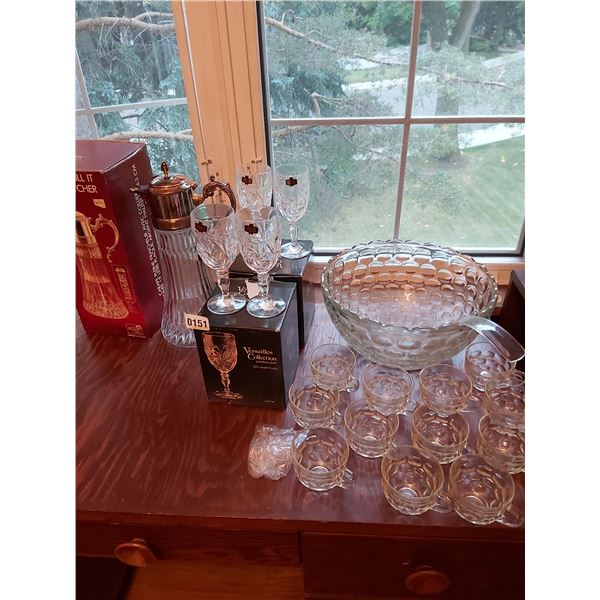 Jubilee Punch Bowl with 12 Cups, Ladle & Hooks - Versailles 24% Lead Crystal Wine Glasses