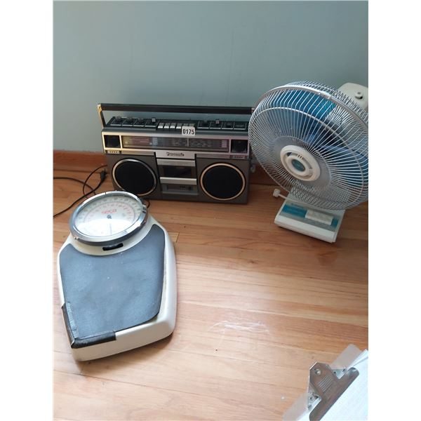 Panasonic 2 Way 4 Speaker System Model #RX-5031 - Fan - Scale - Magazine Rack