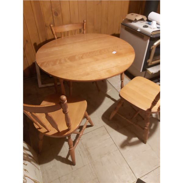 """Wooden Table with 3 Chairs Full Table is 40"""" Across"""