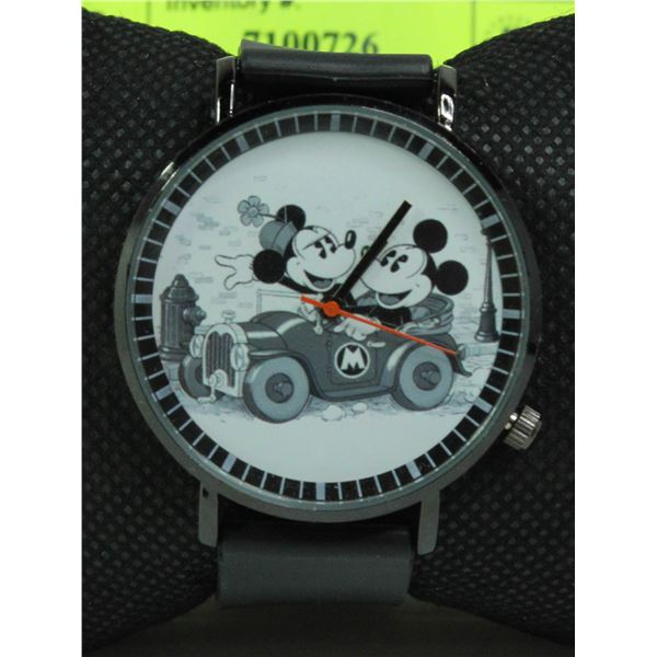 MINNIE AND MICKEY MOUSE QUARTZ MOVEMENT WATCH