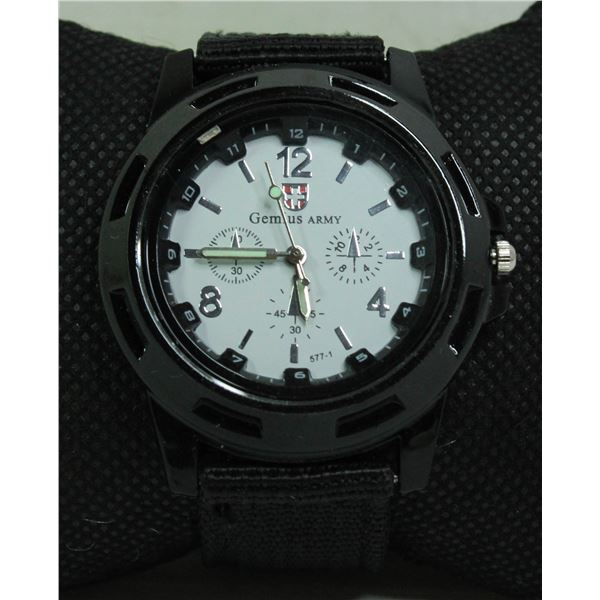 NEW GENIUS ARMY WATCH WHITE AND BLACK
