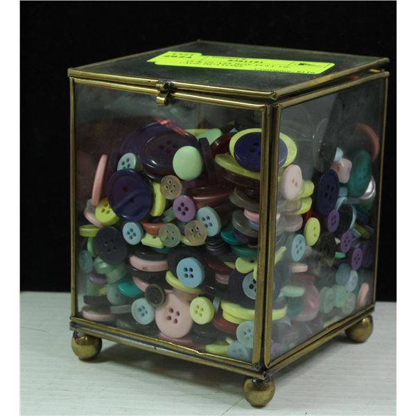 BRASS & GLASS BOX FULL OF VINTAGE BUTTONS