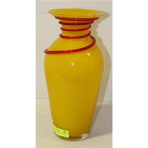 ART DECO VINTAGE YELLOW & RED  GLASS VASE