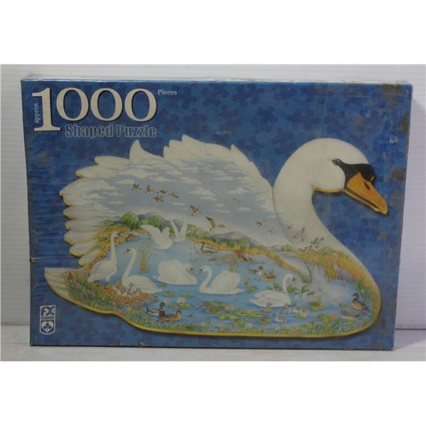 1000 PIECE SWAN SHAPED PUZZLE