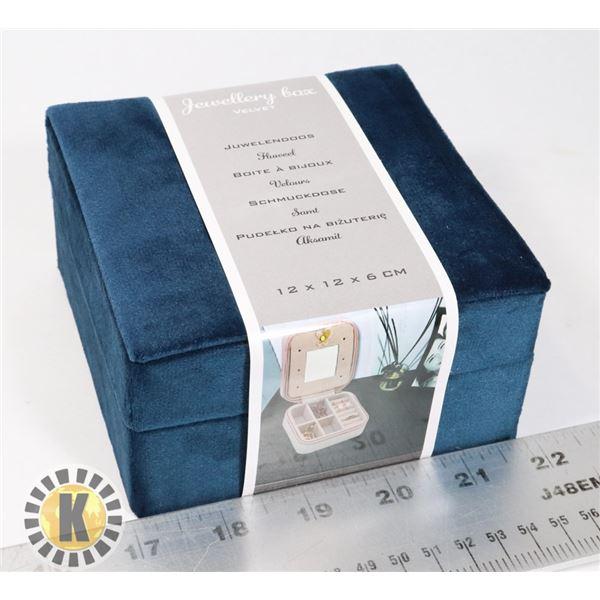 NEW 12X12X6CM VELVET JEWELRY BOX