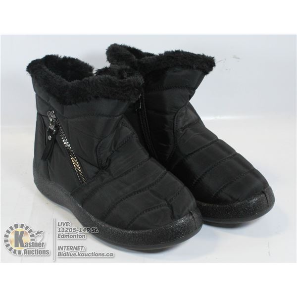 NEW WOMENS SIZE 5 BLACK BOOTS