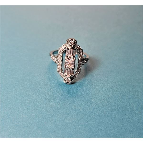 4) VINTAGE STYLE CUBIC ZIRCONIA RING