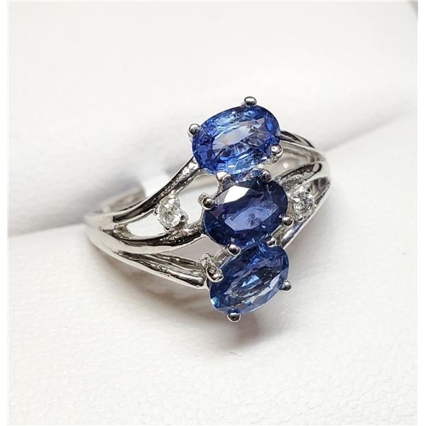 10K  NATURAL SAPPHIRE DIAMOND RING