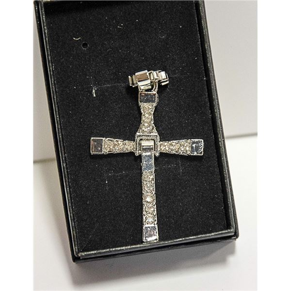 SILVER ALLOY CROSS AND CHAIN