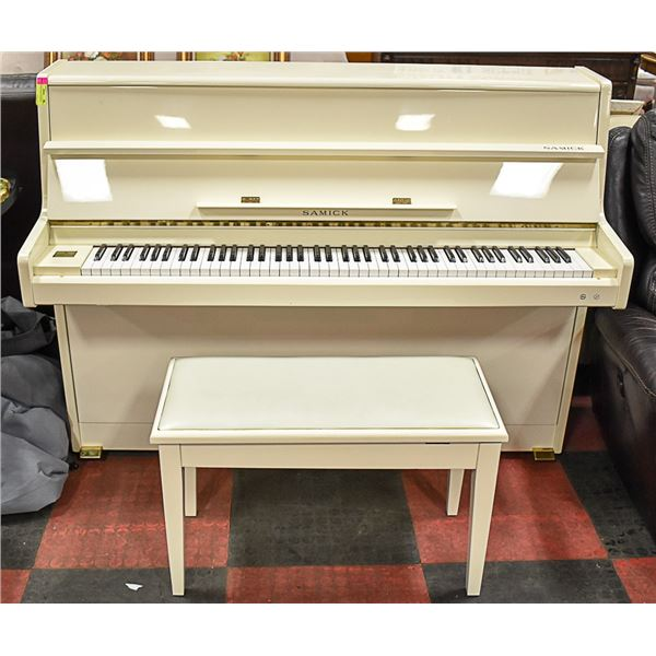 SAMICK BEIGE PIANO W/ BENCH