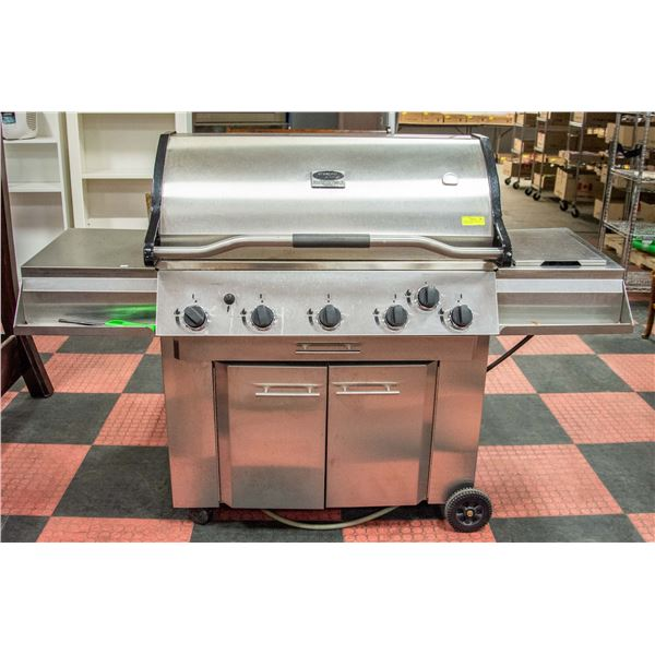 VERMONT CASTINGS NATURAL GAS BARBEQUE WITH