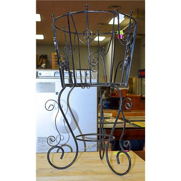 """METAL PLANT STAND APPROX 19"""" TALL 11""""DIAMETER"""