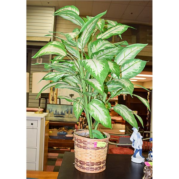 ARTIFICIAL PLANT WITH WICKER PLANTER