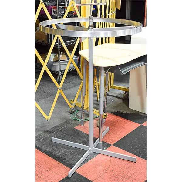 ROUND STAINLESS CLOTHING RACK
