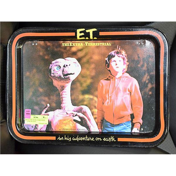 1982 ET THE EXTRA TERRESTRIAL TV TRAY /W LEGS