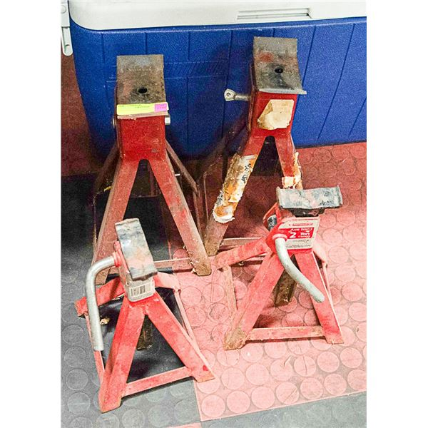 2 SETS OF AXLE STANDS