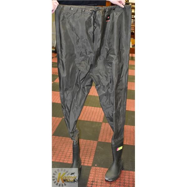 CHEST WADERS MENS SIZE 10