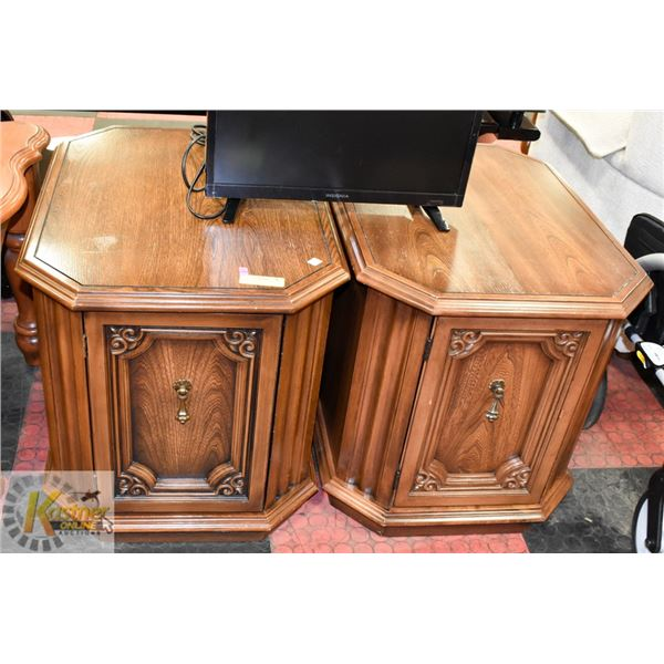 """SET OF 2 SOLID WOOD END TABLES 20"""" X 26"""" X 21"""" TAL"""