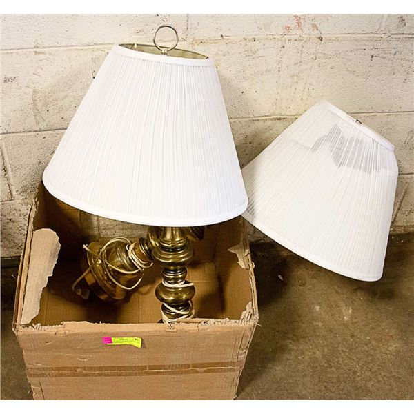 PAIR OF VINTAGE SIDE TABLE LAMP, ONE SHADE HAD