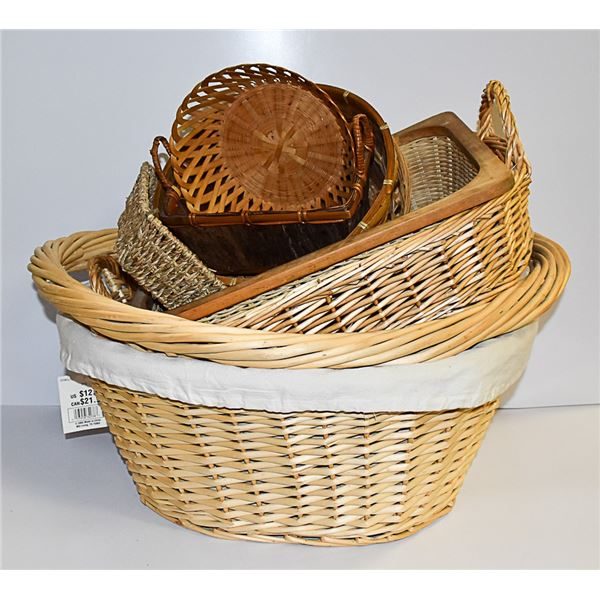LOT OF 8 BASKETS ASSORTED SIZES