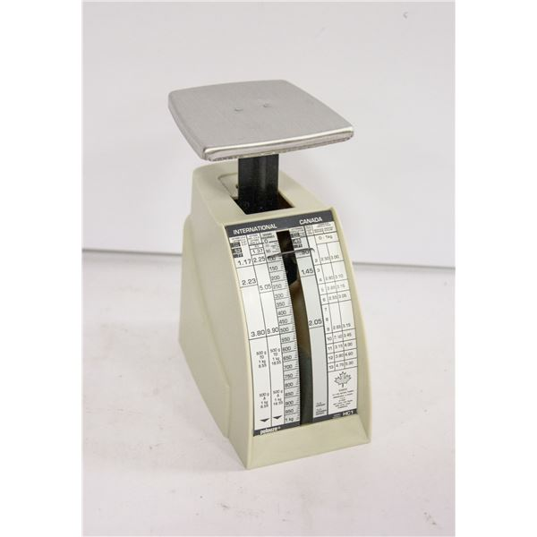 VINTAGE PELOUZE LETTER MAIL SCALE, MADE IN CANADA