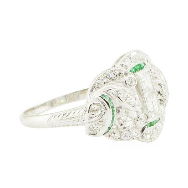 0.93 ctw Diamond Ring - Platinum